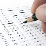 Oltre alle certificazioni linguistiche, soprattutto nelle facoltà scientifiche o di indirizzo business, sono richiesti dei test attitudinali, come SAT, GMAT o GRE. Informati su quello che è ritenuto più affidabile dalla facoltà che ti interessa e cerca di ottenere i migliori risultati possibili.