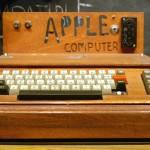 """Il primo computer di Apple, l'Apple I, costava $ 666,66. Steve Wozniak stabilì il prezzo senza rendersi conto che il triplo 6 poteva avere connotazioni sataniche. Egli stabilì il prezzo di vendita pari ad un terzo sopra il prezzo all'ingrosso di $500 ed anzichè arrotondare la cifra a $ 667, preferì una ripetizione delle cifre perché secondo lui era """"più facile da digitare""""."""