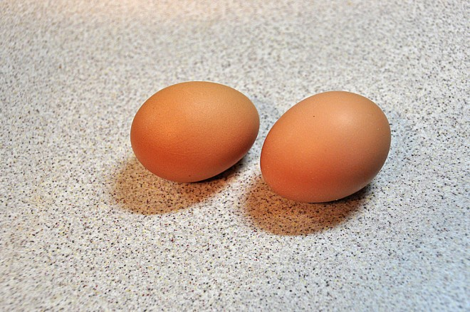 brown-chicken-eggs