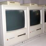 """L'Apple Macintosh è così chiamato perché il Macintosh era la varietà di mela preferita da Jef Raskin di Apple. All'epoca era soltanto un nome in codice, che Steve Jobs provò a cambiare in """"bicycle"""" mentre Raskin era fuori dall'ufficio. Ma il nome Macintosh rimase lo stesso fino al lancio del prodotto e venne stampato il logo sulla scatola."""