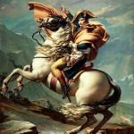 """In realtà Napoleone aveva un'altezza normale per un francese d'inizio '800: circa 170cm. La leggenda della sua bassa statura derivò da una confusione tra le unità di misura: sia Inglesi che Francesi usavano i pollici (""""inches"""" in Inghilterra, """"pouces"""" in Francia), ma il pollice francese era poco più lungo del pollice inglese. L'autopsia di Napoleone diede un'altezza di 5'2″ pollici. Gli Inglesi, pensando che si trattasse di """"inches"""", dedussero che l'altezza di Napoleone corrispondesse agli attuali 158cm. Un errore che la propaganda inglese fu molto felice di divulgare. Inoltre Napoleone era spesso circondato dalla Guardia imperiale a cui impose un'altezza minima di 178cm per i granatieri e 170cm per la Guardia personale, gli """"chasseurs à cheval"""": in mezzo a loro sembrava veramente minuto. I suoi soldati lo chiamavano inoltre """"le petit Caporal"""", termine più affettivo che descrittivo. Ora possiamo dire che era addirittura più alto di Horatio Nelson."""