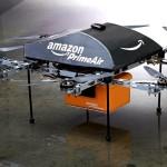 Hanno fatto scalpore in questi giorni, li abbiamo visti sui giornali e in Tv. I droni di Amazon potrebbero essere in grado nei prossimi 5 anni di portare pacchi dal peso di 2,3 chili in meno di 30 minuti direttamente a casa del cliente. Manca ancora l'ok ufficiale della Federal Aviation ma Bezos sa che ci sono ampi spazi di manovra ed ha stimato che in futuro, oltre l'86% del catalogo Amazon potrà essere distribuito velocemente proprio grazie ai dreni. Noi ne abbiamo parlato qui.