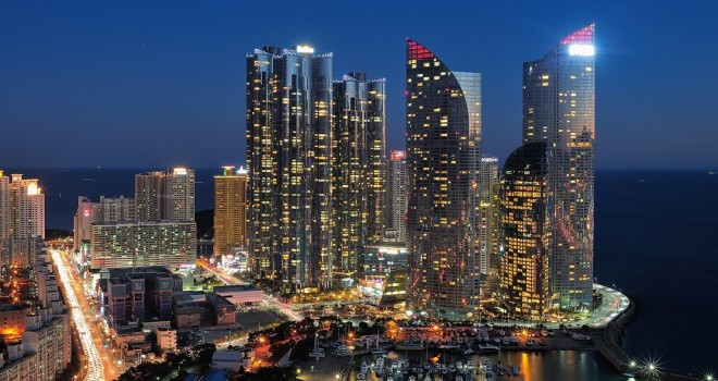 Haeundae_We've_the_Zenith_and_I'Park_Marina_in_Busan,_South_Korea