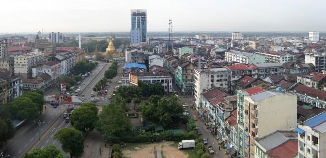 Blick über Yangoon vom Traders Hotel nach Südwest