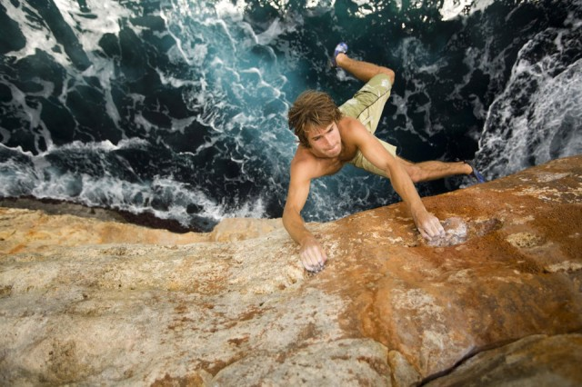 chris-sharma-breathtaking-rock-climbing-640x426
