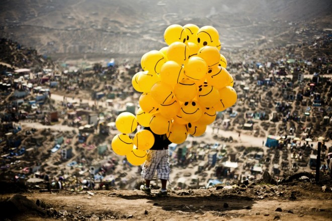 peru-smiles-in-the-cemetery-by-milko-torres-ramirez