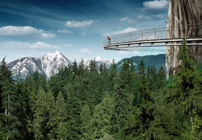 Capilano-Suspension-Bridge-Park-CliffWalk-landscape-Vacuver-Canada-ddarcart-01