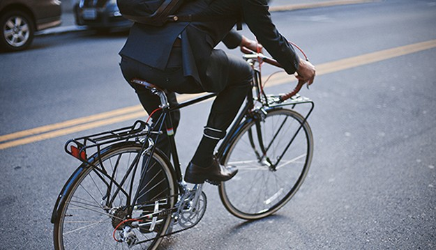 Commuter-Suit-for-Bike-Riders-1
