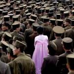 Le fotografie ai soldati dell'esercito di Pyongyang sono solitamente proibite.