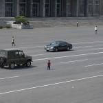 I membri delle comunità rurali non sono abituati alla vista delle automobili, e spesso li si vede giocare nel mezzo delle strade.
