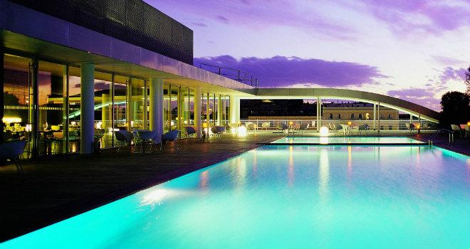 I migliori 10 hotel romani con piscina secondo - Hotel piscina roma ...