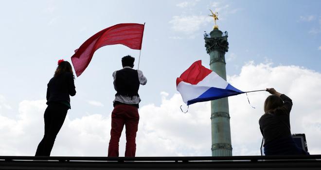 le-front-de-gauche-a-revendique-180-000-manifestants-le-5-mai-a-10909964ghqbn