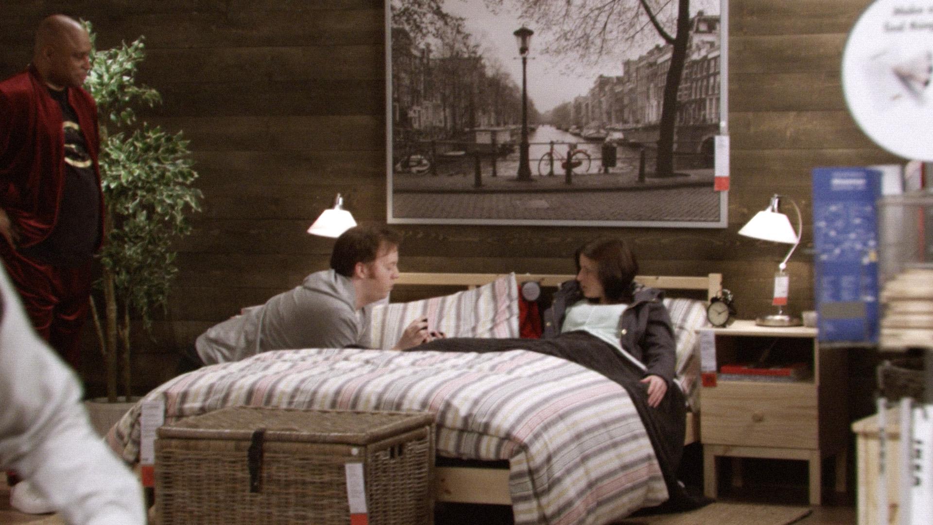 Con il nuovo catalogo ikea si viaggia nel tempo smartweek - Camera da letto bellissima ...