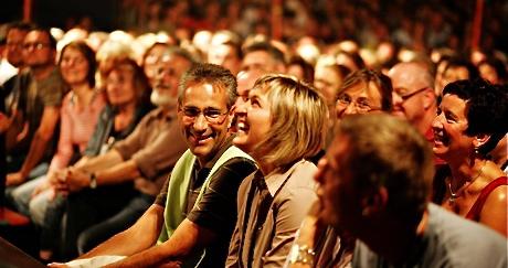 La Rivoluzione del Teatro Spagnolo: A Barcellona Paghi se Ridi