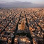 3) La città di Barcellona vista dall'alto (Spagna)
