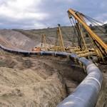 """Il Baku-Tbilisi-Ceyhan collega il Mar Caspio al Mediterraneo, e nei pressi di Refahiye (Turchia) si era verificata una grossa esplosione, che aveva causato il versamento di 30.000 barili di petrolio su una falda acquifera, ed era costata più di un miliardo di dollari in mancate esportazioni.Dopo 6 anni è stato scoperto che a """"premere il grilletto"""" per scatenare il disastro era stata una tastiera: attraverso l'accesso a telecamere di sorveglianza, gli hacker avevano spento gli allarmi, tagliato le comunicazioni e aumentato la pressione nell'oleodotto, fino a farlo esplodere."""