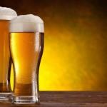 Uscire per bere una birra sembra un'abitudine ormai passata. Più la situazione economica peggiora, più le persone preferiscono risparmiare passando le serate in casa. Il consumo di birra in Europa è sceso dell'8% nel biennio 2008-2010, e gli impieghi nel settore delle birre sono diminuiti del 12% ovvero circa 260.000 posti di lavoro.