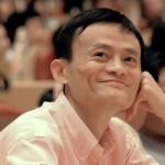 """Classe 1968, l'imprenditore cinese fondatore di """"Alibaba Group"""", una delle compagnie guida del commercio online, è considerato uno degli uomini più ricchi della Cina. La sua carriera inizia quando a 35 anni, in seguito a un viaggio negli Usa, si innamora di internet. Approfondite le sue conoscenze e competenze, riesce a convincere alcuni finanziatori e a fondare """"Alibaba Group"""" nel 1998. Da quel momento la crescita della sua creatura è stata esponenziale (oggi Alibaba vende più di Amazon ed Ebay messi insieme), portando Jack Ma a ricoprire il ruolo di personaggio guida degli ultimi anni nel settore tech. Nel 2014, con i suoi 18 miliardi di dollari, è stato l'uomo che ha guadagnato più al mondo."""