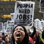 L'ovvia ragione per tenere sotto controllo questo dato? Ci dice quale sia la porzione di potenziale forza lavoro che non riesce a trovare un'occupazione. La ragione meno ovvia? È un elemento chiave per la Federa Reserve, che dovrà decidere quando iniziare ad innalzare i tassi di interesse. Secondo il Federal Open Market Committee, più la disoccupazione scenderà vero la soglia del 5%, più ci si avvicinerà alla decisione di alzare i tassi, togliendo un po' di carburante all'economia.