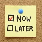 Hai creato la tua lista per il giorno e ora sei seduto lì a pensare a come iniziare? Sfida te stesso, datti una deadline stringente per realizzare tutto quanto hai presente sulla lista. Il poco tempo a disposizione ti terrà concentrato su quanto è davvero importante.