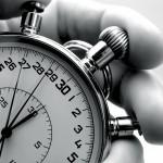 Spesso non si riescono a portare a termine i compiti perché facciamo fatica a rimanere concentrati su una sola attività (succede anche ai migliori). La soluzione? Impostare un timer per cinque minuti. Concentrati su un compito per quei cinque minuti e ci si sorprenderà a vedere come quei cinque minuti si trasformeranno pian piano in un'ora o più di produttività.