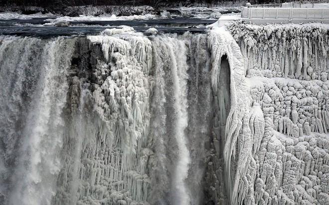 Niagara-Falls-froz_2785416k