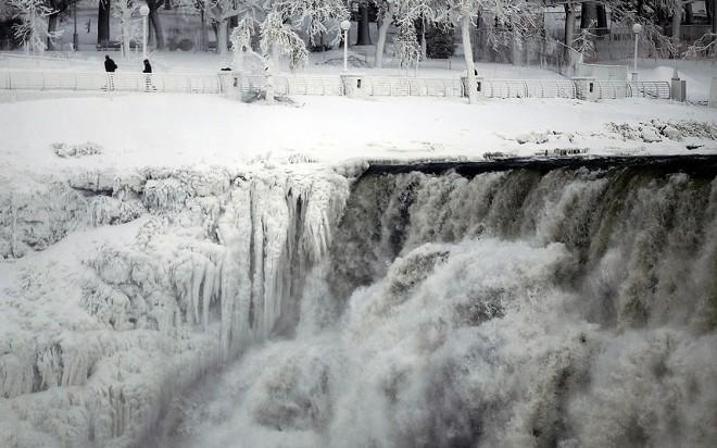 Niagara_frozen_3_2785538k