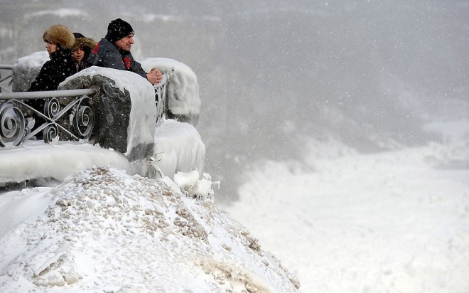 Niagara_frozen_6_2785542k-1