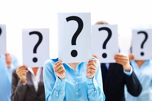 Nelle sessioni di selezione usa lo spazio delle domande per guidare il colloquio nella direzione che ti interessa. Se il recruiter ti fa domande astratte per metterti in difficoltà, usa le domande per riportare il colloquio sul piano concreto dell'offerta di lavoro, chiedendo ad esempio che mansioni sta cercando l'azienda nello specifico. Questo ti permetterà di dire quali esperienze passate o quali caratteristiche ti rendono giusto per quella posizione.