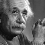 Studiare non basta. Per trovare uno stage, dovreste in teoria aver già fatto cose semplicissime e ormai quasi quotidiane come aver cambiato il mondo, inventato un nuovo motore per la NASA, vinto una medaglia olimpica o sconfitto il problema della fame in Africa, giusto per citarne alcune. Insomma, se avete presente Einstein, sapete più o meno a chi dovete cercare di assomigliare.