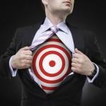 I grandi manager sono quelli che sono rimasti concentrati sui loro obiettivi e stati coerenti nei loro sforzi. Scrivi i tuoi obiettivi e datti da fare per raggiungerli. Le persone di successo pianificano sempre un momento per lavorare al raggiungimento dei loro obiettivi e non vacillano quando si presentano le opportunità. Quando le altre barche affondano, impara a mantenere il timone a dritta.