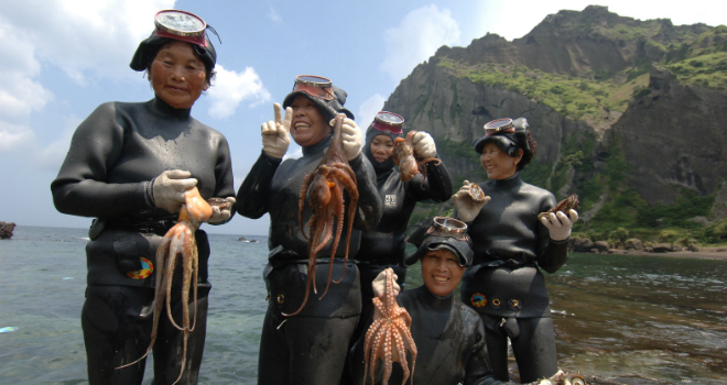 jeju-island-woman-divers