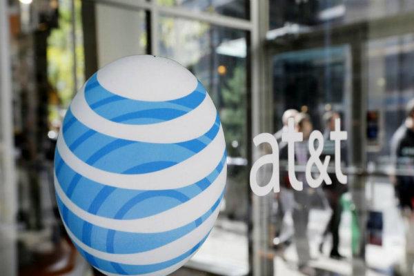 Rientra nella top15 anche l'operatore mobile statunitense AT&T, con un valore di 29.1 miliardi di dollari.