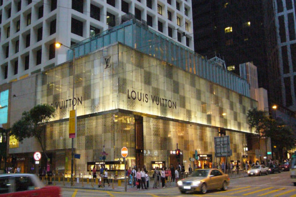 Tra tanta tecnologia, ecco anche un po' di moda. Al penultimo posto abbiamo Luis Vuitton, con un valore di 28 miliardi.