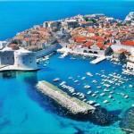 Dubrovnik, un paradiso da gustare in una fuga alla ricerca degli ultimi attimi d'estate. Si trovano alberghi  nelle zone più richieste anche a meno di 30 euro a notte.