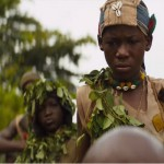 Genere: Drammatico / Regista: Cary Fukunaga  In un villaggio dell'Africa occidentale, dove è in corso una guerra civile, vive il piccolo Agu con la sua famiglia. Quando il suo villaggio viene attaccato dai guerriglieri, Agu assiste al brutale omicidio del padre e si ritrova a soli nove anni a diventare un bambino soldato, arruolato a forza tra i mercenari e guidato nel combattimento dal losco Comandante.