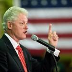 Scandalo politico-sessuale per eccellenza il Sex Gate ha visto coinvolti il Presidente degli Stati Uniti Bill Clinton e Monica Lewinsky. Lui era sposato con Hillary Clinton e lei era la sua stagista presso la Casa Bianca.  Quando lo scandalo scoppiò Clinton mentì all'America negando l'accusa di molestie sessuali ai danni della Lewinsky, ma poi dovette confessare pubblicamente in una celebre dichiarazione televisiva.