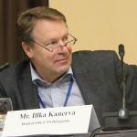 Dopo che gli sono stati intercettati centinaia di messaggi di testo inviati ad una spogliarellista, l'allora Ministro per gli affari Esteri finlandese Ilkka Kanerva si è dimesso. Gli Sms incriminati erano stati inviati durante l'orario di lavoro e, aggravante, con il telefono spesato dai contribuenti. Due anni dopo le sue dimissioni è stato processato per corruzione e tangenti.