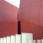 La struttura di un colore rosso mattone, riproduce, grazie a una scansione 3D, la superficie delle dune del deserto. All'interno, la visione di un filmato ben realizzato spiega l'importanza e la relazione tra le esperienze delle generazioni passate, presenti e future. Non può mancare un richiamo alla prossima Expo, in programma nel 2020 proprio a Dubai.
