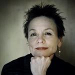 Genere: Sperimentale / Regista: Laurie Anderson   Un film sperimentale che rappresenta un percorso tra il senso della vita e l'elaborazione della perdita. Lolabelle è stata una cagnolina speciale e la sua morte ha lasciato un vuoto incolmabile nella vita di Laurie Anderson. L'artista si confronta con il tema della morte e dell'assenza.