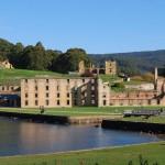 Questa piccola città nella Penisola di Tasman è considerata uno dei luoghi più infestati d'Australia, essendo stata per anni una colonia penale. Oltre ad essere la casa di criminali, è anche il luogo del terribile massacro di Port Arthur del 1996.