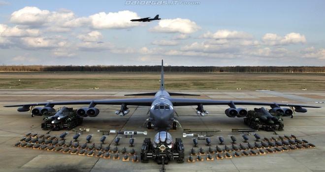 b52-armamenti-bombardiere