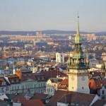 Repubblica Ceca - Molti lavoratori della Repubblica Ceca, anche se hanno subito un ridimensionamento salariale, hanno visto crescere la sicurezza del posto di lavoro.