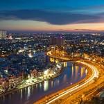 Entrambe le città vietnamite offrono una vasta gamma di vitto, alloggio, e opzioni di visite turistiche per un minimo di $ 20 al giorno. Ho Chi Minh City è la più grande città del Vietnam, e brulica di energia dai suoi mercati alle sue bancarelle. Passeggiate nei larghi boulevards di Hanoi. Godetevi una traversata in pagoda lungo i fiumi locali.