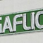 Il logo adottato dal negozio di video-noleggio MegaFlicks in un mini centro commerciale della Florida rappresenta un perfetto esempio del perché la crenatura e la spaziatura tra le lettere, è così importante.
