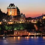 Trascorrendo qualche giorno nella città di Québec si può visitare il suggestivo centro storico - un patrimonio mondiale dell'UNESCO che è l'unica città del Nord America, con i suoi bastioni e l'architettura del 17 ° secolo ancora intatta -, cenare nei bistrot vecchio stile, e perdersi per le strade di ciottoli della città.