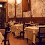 Nel cuore della Roma Rinascimentale, vicino a Piazza Navona, un indirizzo raffinato adatto anche per i gruppi. Ai suoi tavoli hanno cenato Charlie Chaplin e Grace Kelly, e la cucina, ricercata, propone i classici della tradizione capitolina.