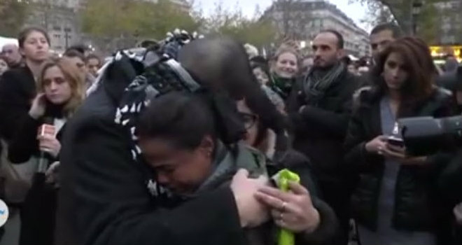 video-abbracci-parigi