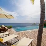 Questa villa con tre camere da letto e piscina privata ai Caraibi è stata affittata per 4,929 dollari. La casa è a pochi passi dalla spiaggia ed è di proprietà di Wimco Ville, motivo per cui il cliente usufruisce di un servizio di concierge gratuito prima dell'arrivo, così come le pulizie. Mentre sfiora i 5,000 dollari a notte durante le vacanze, questa villa a St. Barts può essere prenotata a partire da 1.889 dollari a notte a seconda della stagione.