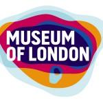 Il logo del museo è luminoso e accattivante, ma dietro a quelle che potrebbero sembrare solo delle macchie colorate i designer sono riusciti abilmente a rappresentare l'area geografica della capitale, come si espanse nel corso del tempo.